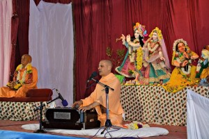 Radhanath Swami glorifies Murari Gupta, 2014 Yatra, Hampi, Day 1, Evening