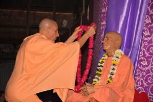 Offerings to Srila Prabhupada by Radhanath Swami