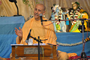 "Radhanath Swami speaking ""Pastimes In And Around Govardhan 2"", 2013 Yatra, Vrindavan, Day 12"
