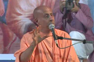 "Radhanath Swami speaking on ""Enchanting Pastimes of Child Nimai 2"" 2012 yatra, Mayapur, Day 8"